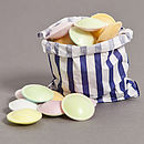 Thumb bag flying saucers