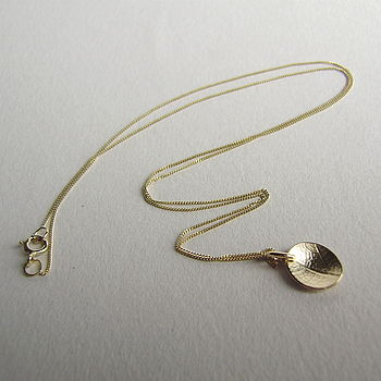 9ct Gold Mini Dish Leaf Necklace