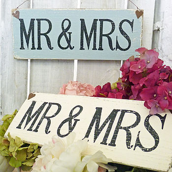 wedding Mr & Mrs sign