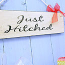 Wedding Sign 'Just Hitched' Vintage Plaque