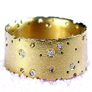 18ct Yellow Gold And Diamond Ring - fine jewellery
