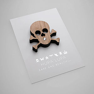 Oak Skull Magnetic Decoration