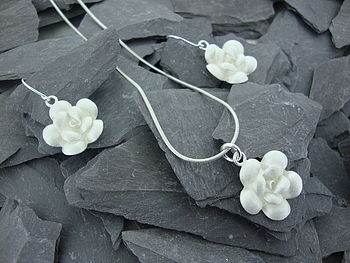 Satin Spring Flower Pendant And Earring Set