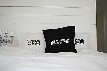 'Yes No Maybe' Pillowcase Set