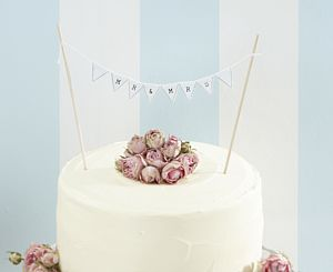 Vintage Style Mr & Mrs Wedding Cake Bunting