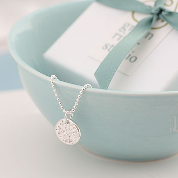 Dainty Silver Snowflake Necklace