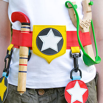 star utility belt (red) detail