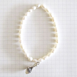 'Never Too Many Shoes' Pearl Bracelet