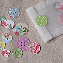 Paper button confetti green