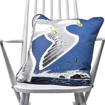 Birds Cushion   As Seen In Homes And Antiques