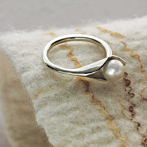Calla Lily Ring - women's jewellery