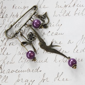 vintage style brooch with lilic beads