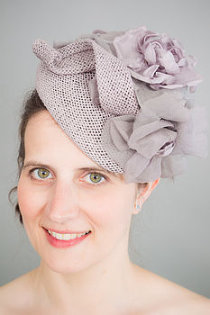 Vintage Style Fascinator With Silk Flower