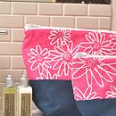 Scruffy Daisy Wash Bag