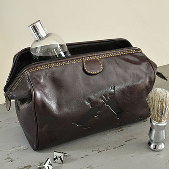 Boxing Hares Leather Wash Bag