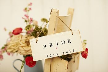 'Bride And Groom' Sign