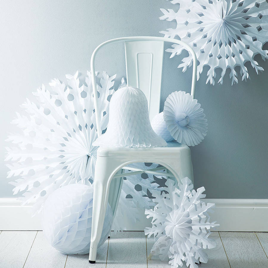 Winter white christmas decoration pack by pearl and earl White christmas centerpieces