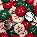 Mixed pack of red and green Christmas star badges