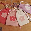 Small drawstring bags with flowers