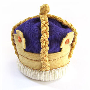 Knitted Royal Crown