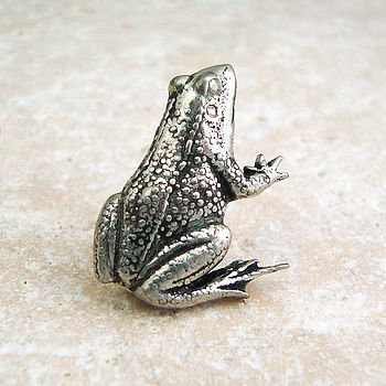 Antiqued Pewter Frog Tie Pin