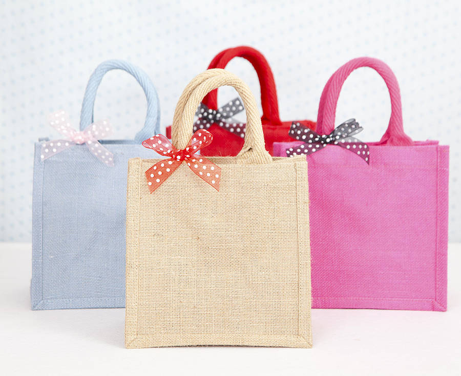 Personalized jute bags are quickly making their way to stores selling bags with either their own brand names or with unique graphic designs or text