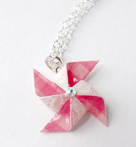 Bright Checked Pinwheel Necklace