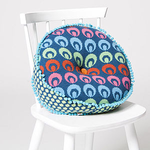 Buckle Round Cushion
