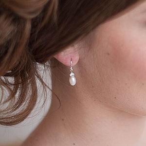 Anna Pearl Drop Earrings - earrings