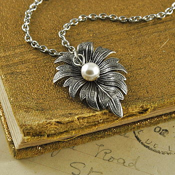 Vintage Style Leaf Necklace