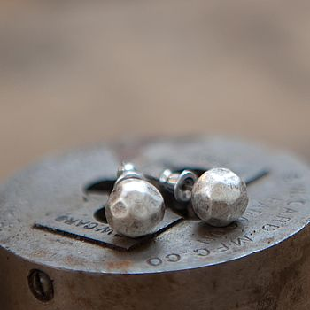 Faceted Studs