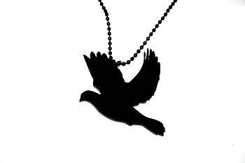 Dove Necklace Black