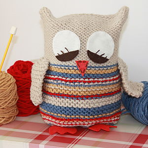 Sleepy Owl Starter Knitting Kit - gifts under £25