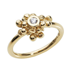18ct Gold And Diamond Cluster Ring - rings