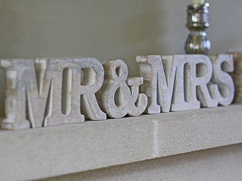 'Mr And Mrs' Sign