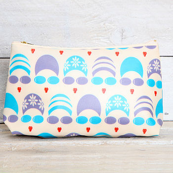 blue/purple make up bag