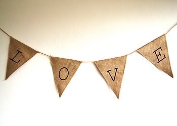 Hessian 'Love' Bunting