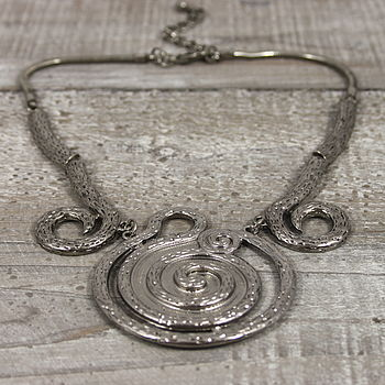 Metal Scroll Necklace
