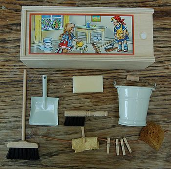 Dolls House Cleaning Set