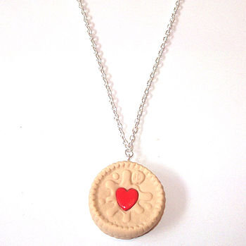 Jammy Heart Biscuit Necklace