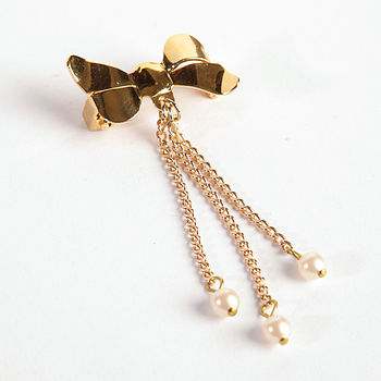 Bow Brooch Pin With Dangling Chain And Pearl