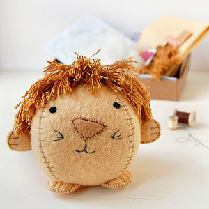 Make Your Own Lion Craft Kit - model & craft kits
