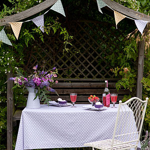 Polka Dot Table Cloth