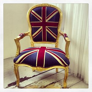 Vintage Style Union Jack Throne Chair - furniture