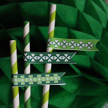 Pack Of 25 St Patrick's Day Straws And Flags