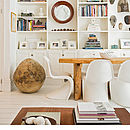 A White Chair, S Style Moulded Retro Chair