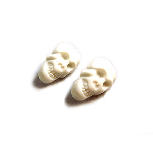 Plastic Skull Stud Earrings