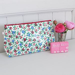 Oilcloth Wash Bag - make-up & wash bags