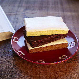 One Month Weekly Cake Slice Club - food & drink gifts under £30