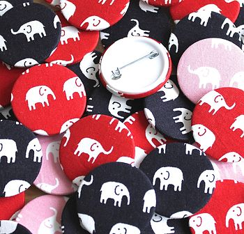 Elephant Parade Badge Set